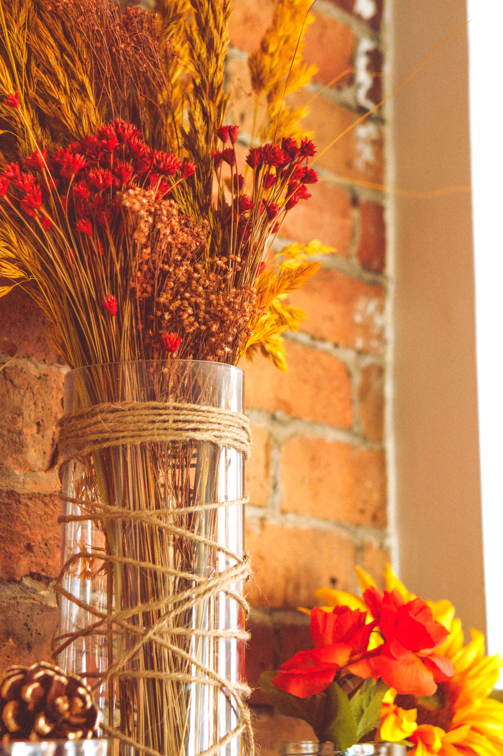 How to Decorate Your Mantle for Autumn