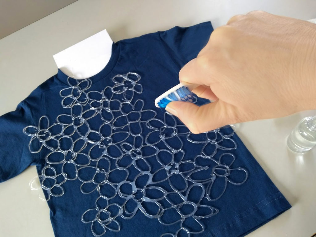 Thestudio By Adtech Batik Style T Shirt Using A Hot Glue Stencil