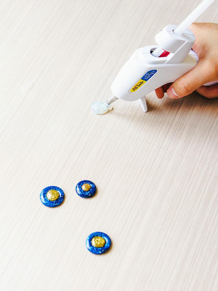 Adhesive Technologies makes simple glitter glue nazar in their Studio
