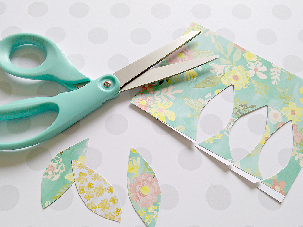 Spring Tree: Cut out paper eaves